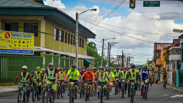 Tercer paseo por la proteccion al ciclista y la seguridad vial